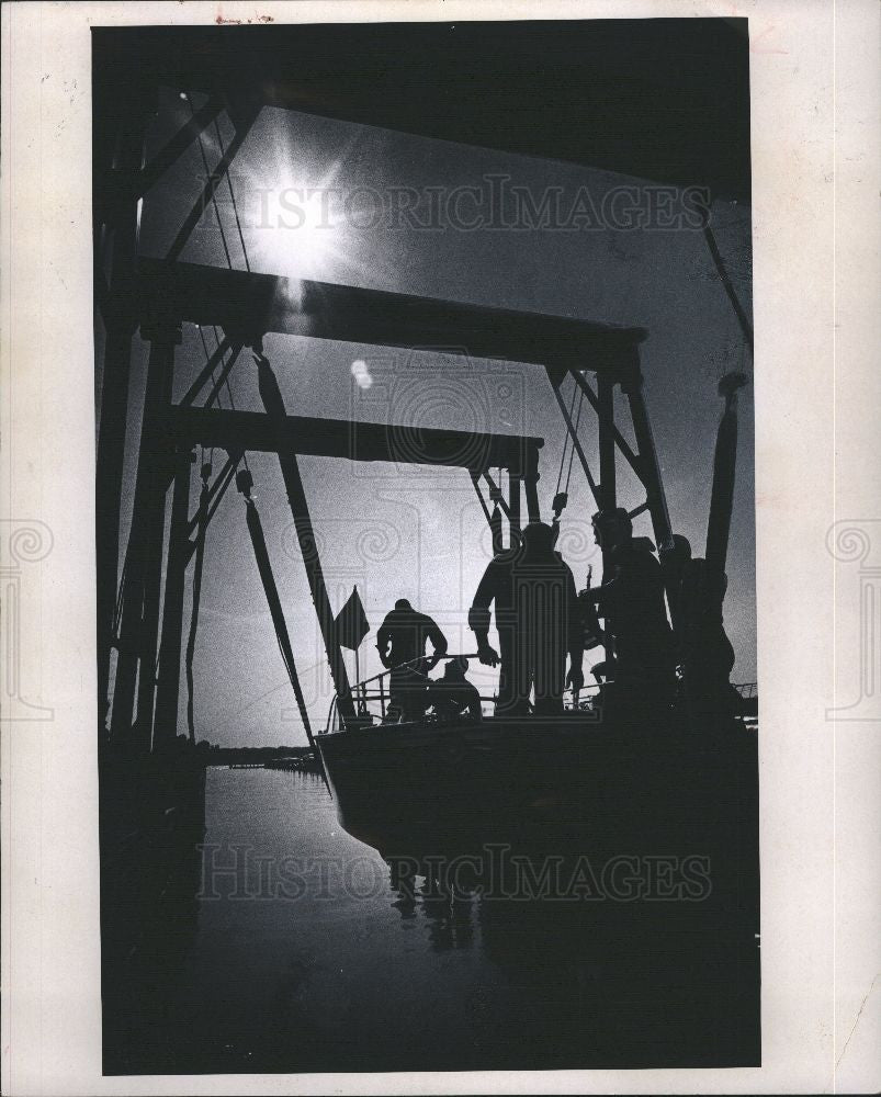 1970 Press Photo little ship is lowered into the water - Historic Images
