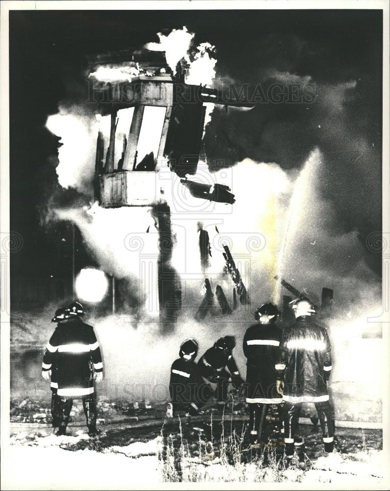1987 Press Photo UAW Hamtramck Building Fire Campau - Historic Images