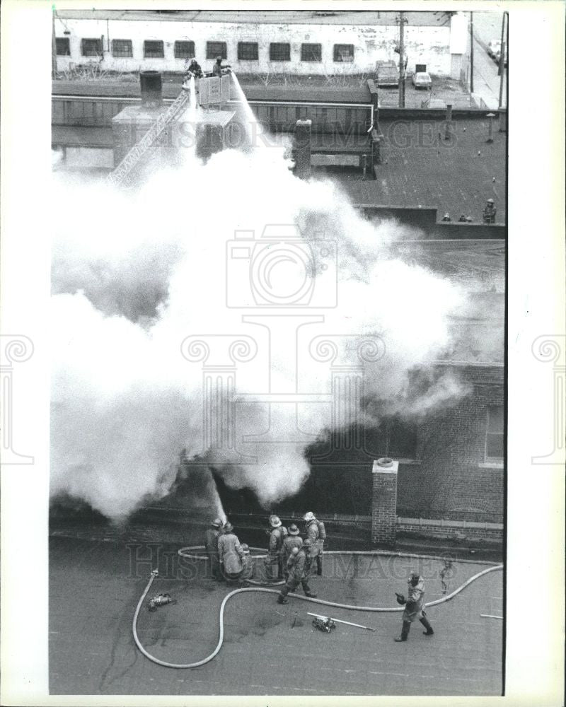 1986 Press Photo Fire, Aunt Mid. Produce Co. - Historic Images