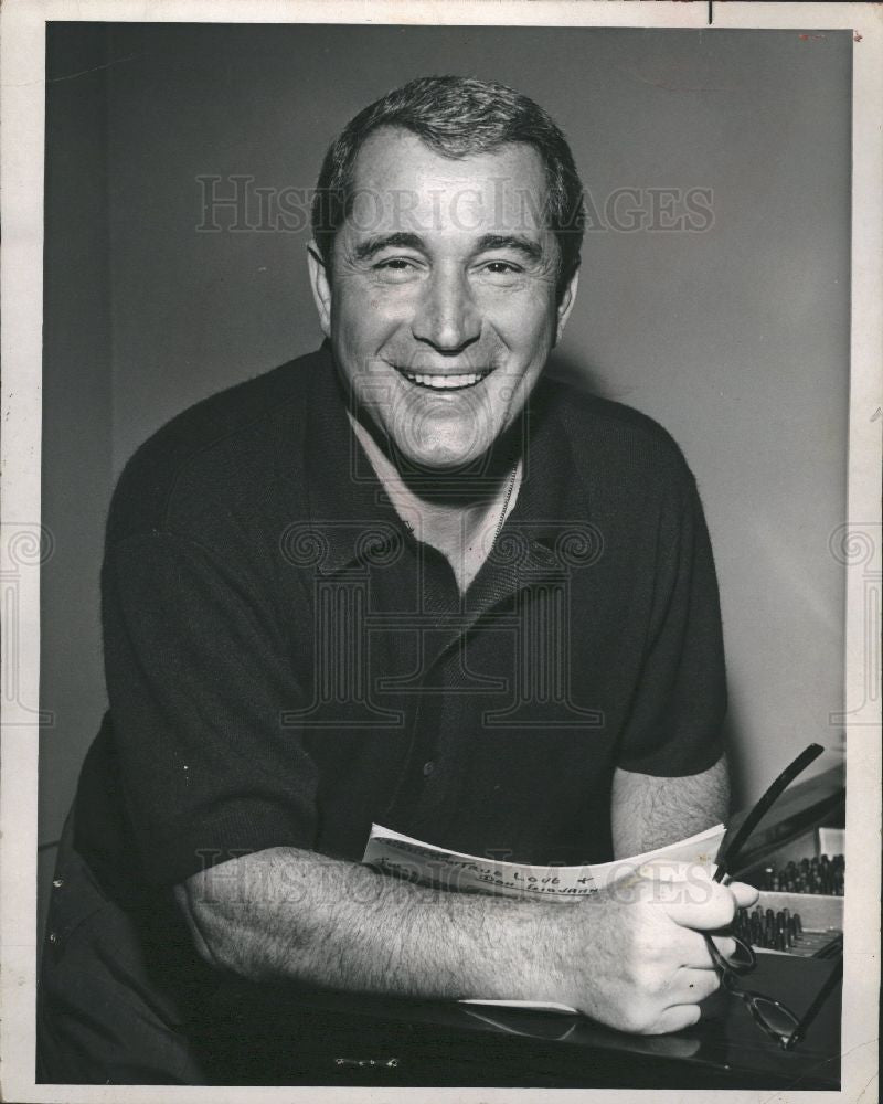 1975 Press Photo Singer Perry Como Musician TV Musician - Historic Images