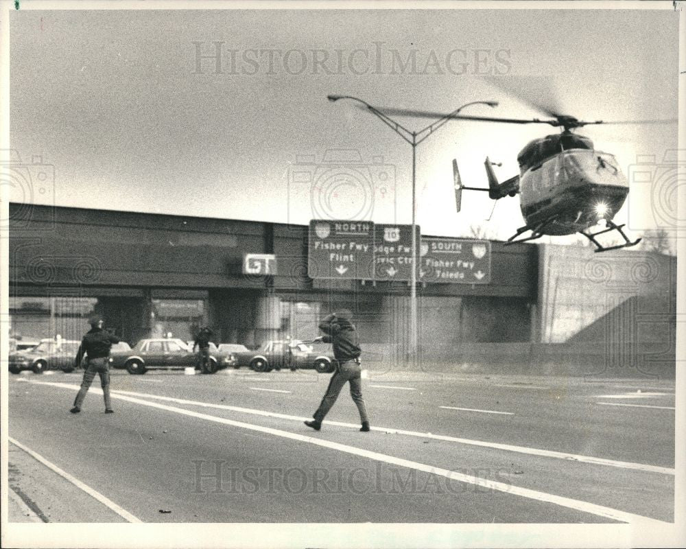 1987 Press Photo Detroit Warehouse Fire Helicopter - Historic Images