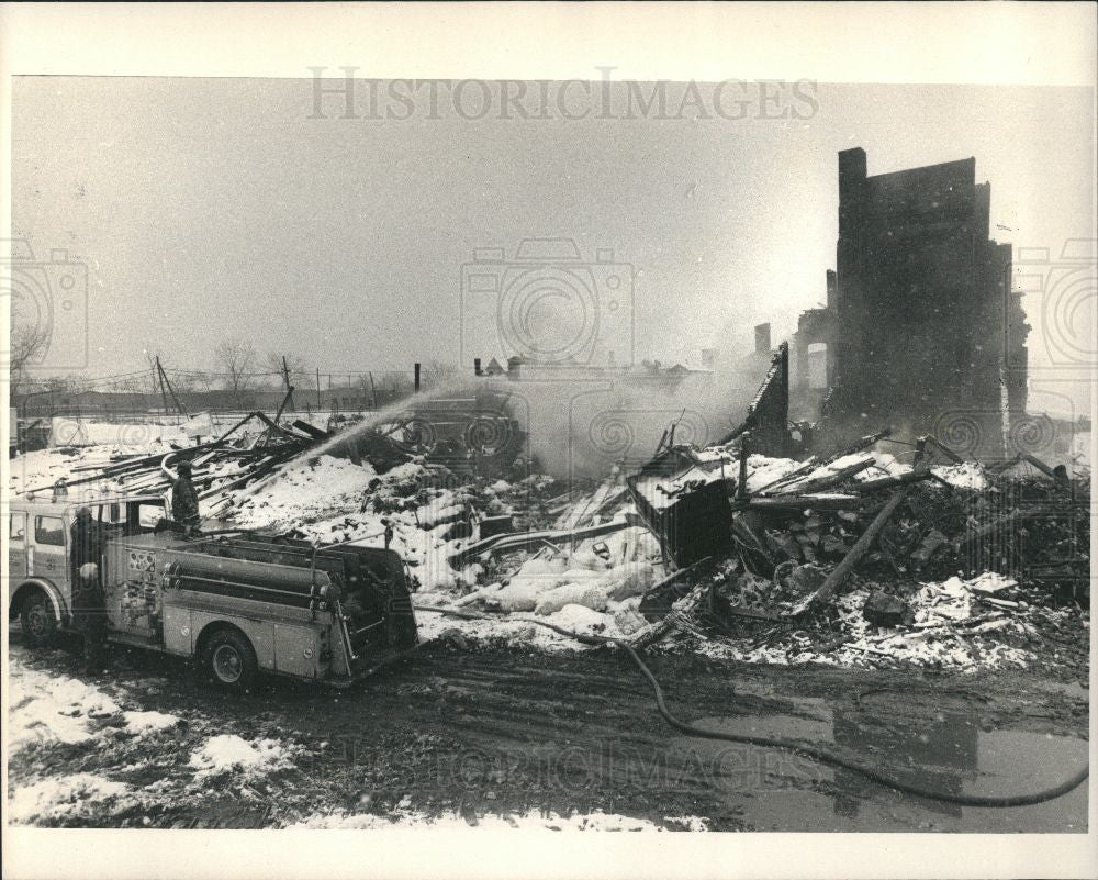 1987 Press Photo Fire 1987 Detroit Warehouse Day 3 - Historic Images