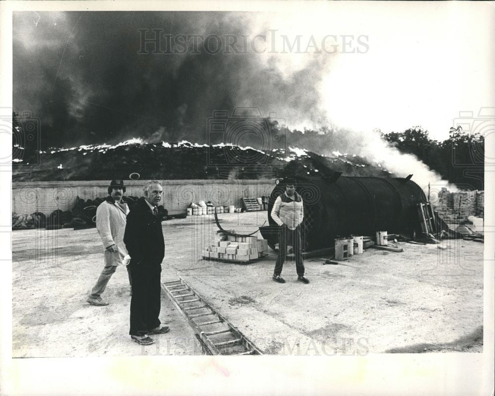 1983 Press Photo Fire 1983 - Historic Images