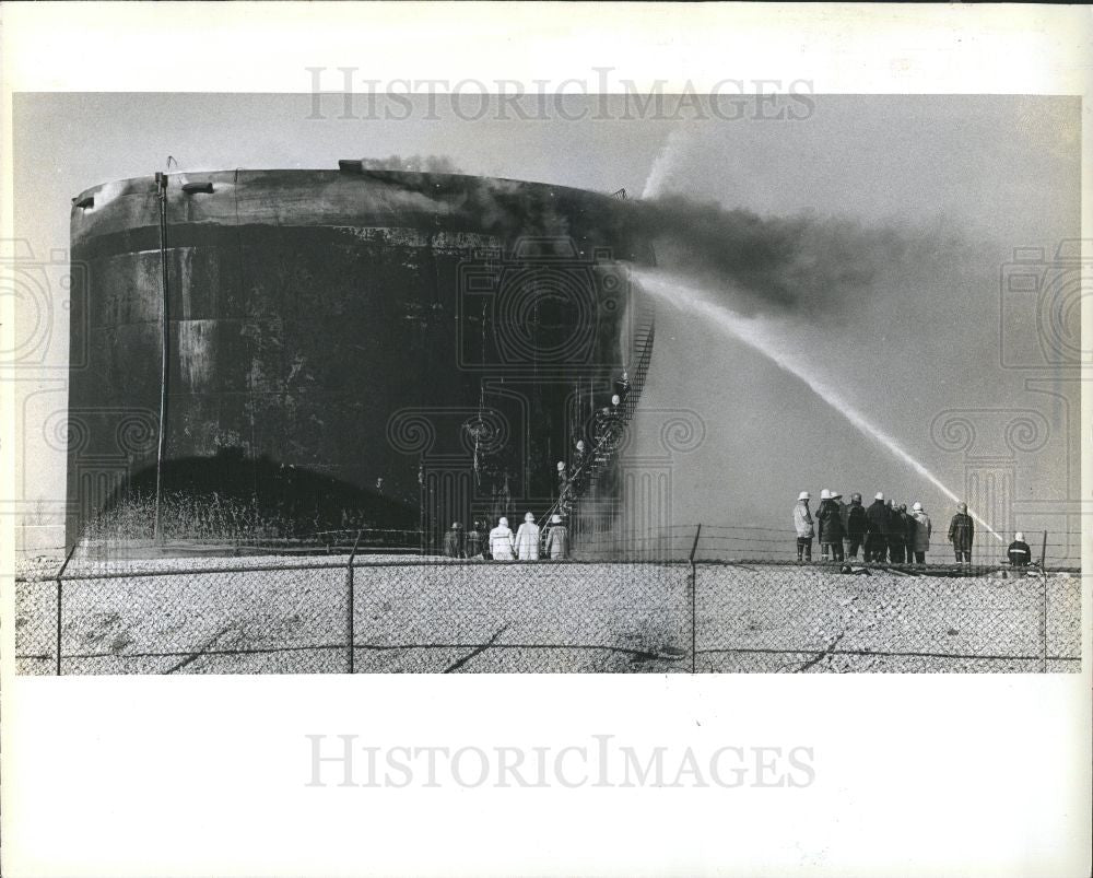 1979 Press Photo Fire, tank - Historic Images