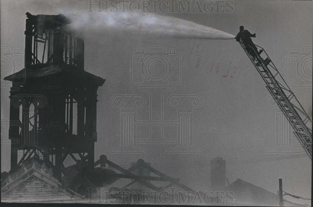 1970 Press Photo Fire Destroys Congregational Church - Historic Images