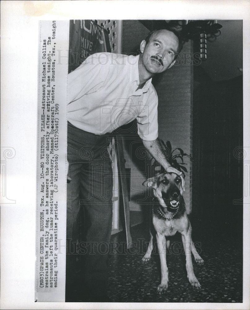 1969 Press Photo ASTRONAUT MICHAEL COLLINS FAMILY DOG - Historic Images