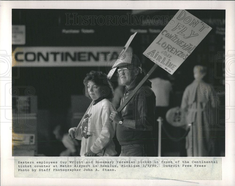 1989 Press Photo Guy Wright Rosemary Yeramian picket - Historic Images