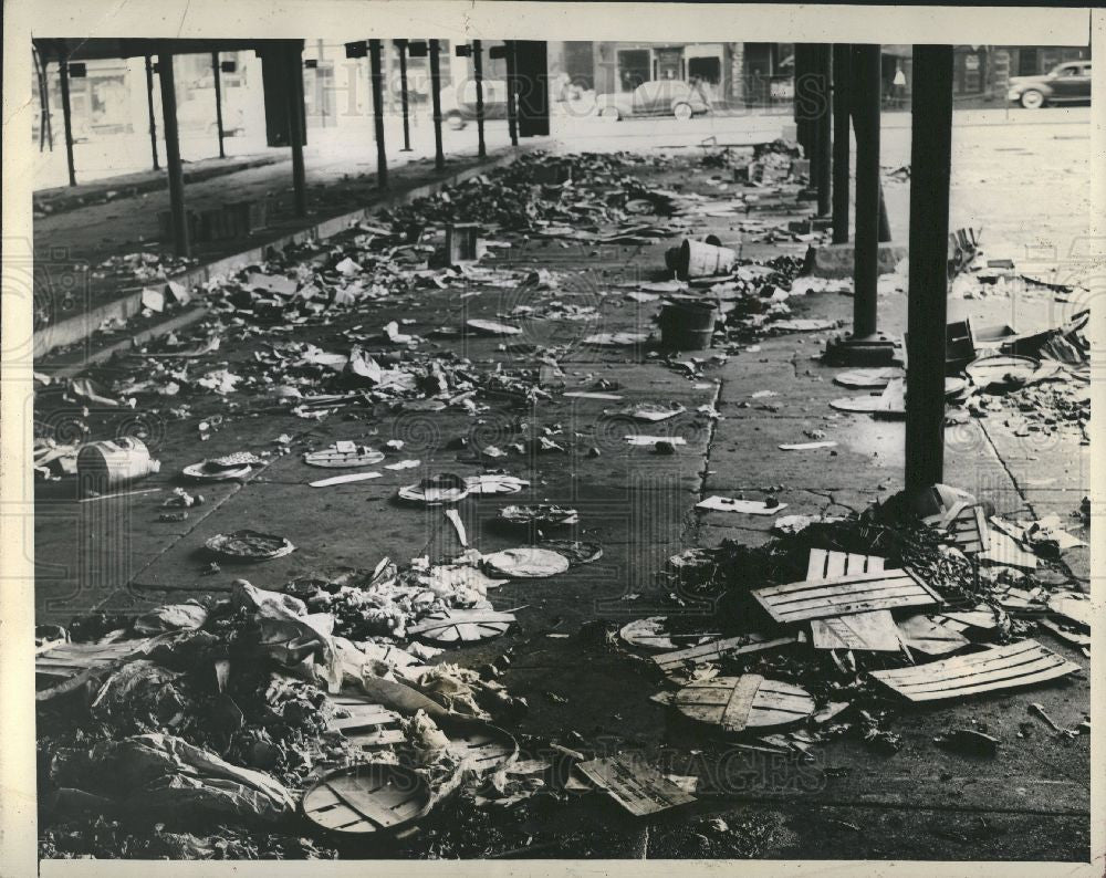 1943 Press Photo Eastern Farmer's Market garbage strike - Historic Images
