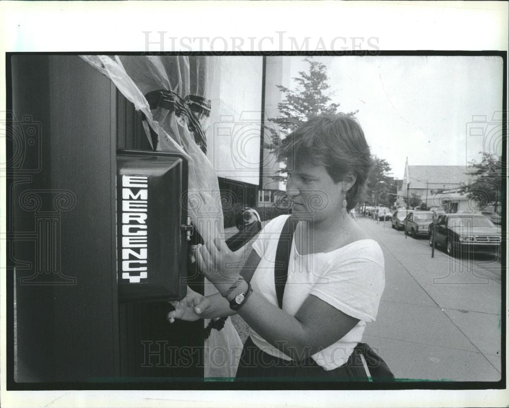 1986 Press Photo Pam Kisch Sexual Assault Prevention - Historic Images