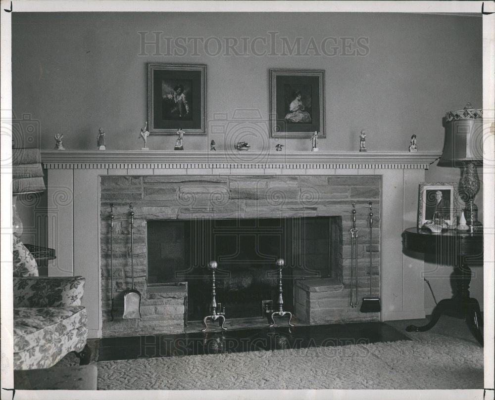 1950 Press Photo Birmingham Briarhill stone fireplace - Historic Images