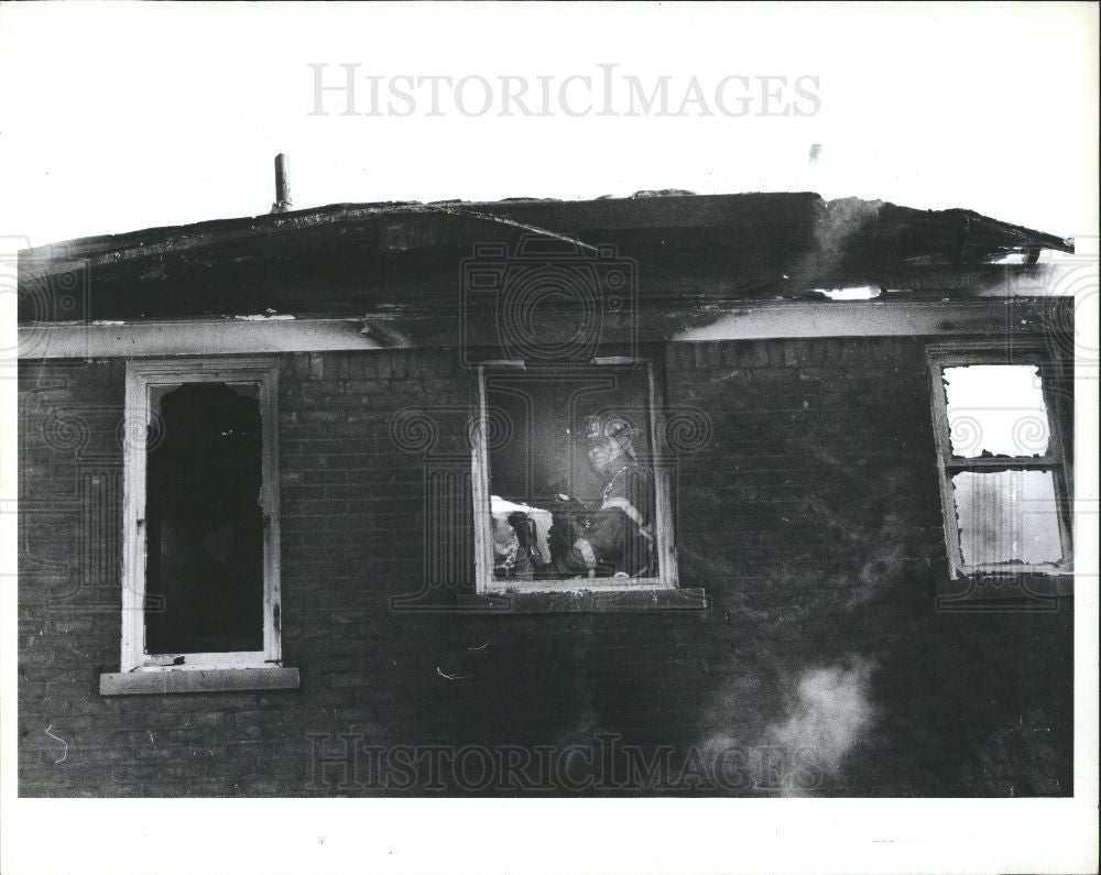 1991 Press Photo Stanley Williams Detroit Firefighter - Historic Images