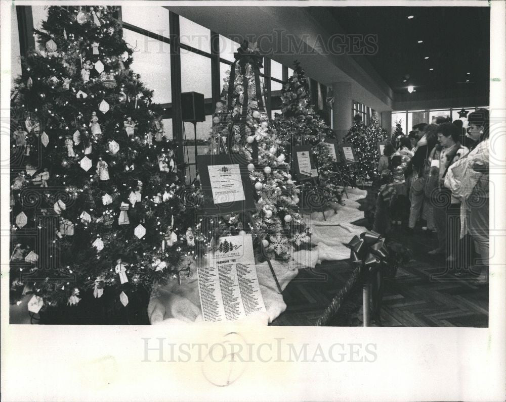 1988 Press Photo Festival of Trees - Historic Images