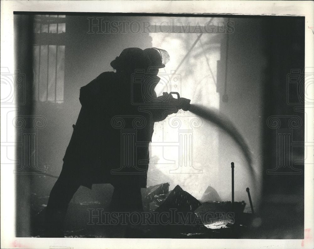 1990 Press Photo Firefighters - Historic Images