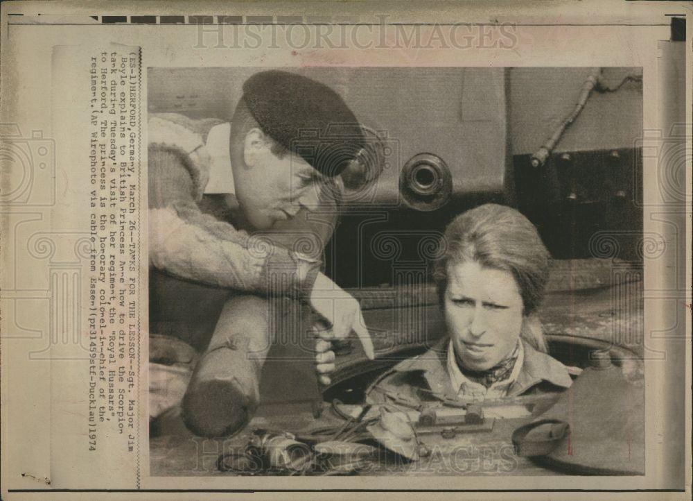 1974 Press Photo Tips, England Princess Anne about Tank - Historic Images