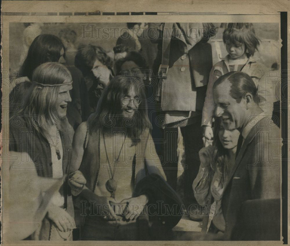 1971 Press Photo Prince Philip long-hairs - Historic Images