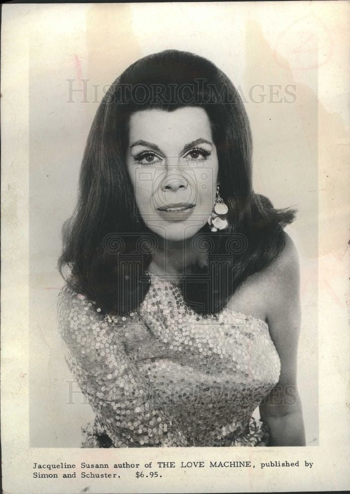 1969 Press Photo Jacqueline Susann - Historic Images