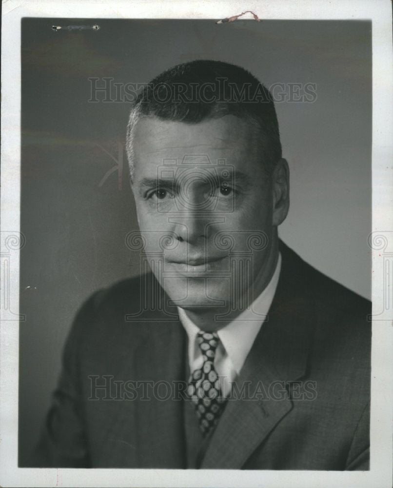 1968 Press Photo Robert Surdam National Bank Detroit - Historic Images