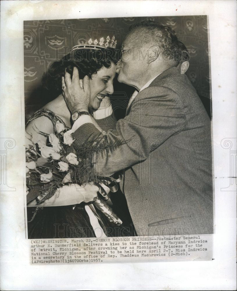 1957 Press Photo Arthur Summerfield Maryann Indreica - Historic Images