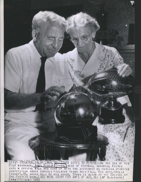 1943 Press Photo Ames Alonzo Stagg Football Coach - Historic Images
