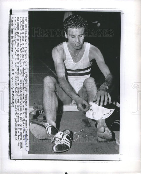1957 Press Photo László Tábori American runner Olympics - Historic Images
