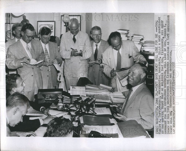 1952 Press Photo Robert Taft addressing news conference - Historic Images