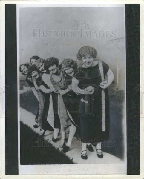 1927 Press Photo Sticky Hoof Detroit society women - Historic Images