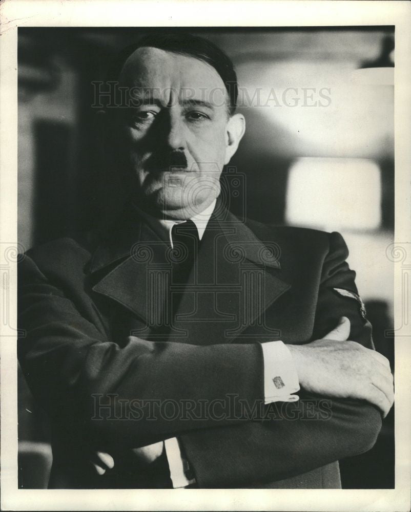 1972 Press Photo Sir Alec Guiness British Actor Hitler - Historic Images