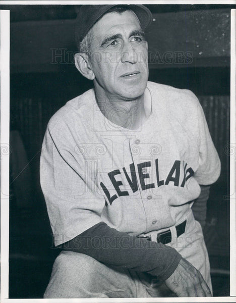 1941 : Clev. Indians' Roger Peckinpaugh - Historic Images
