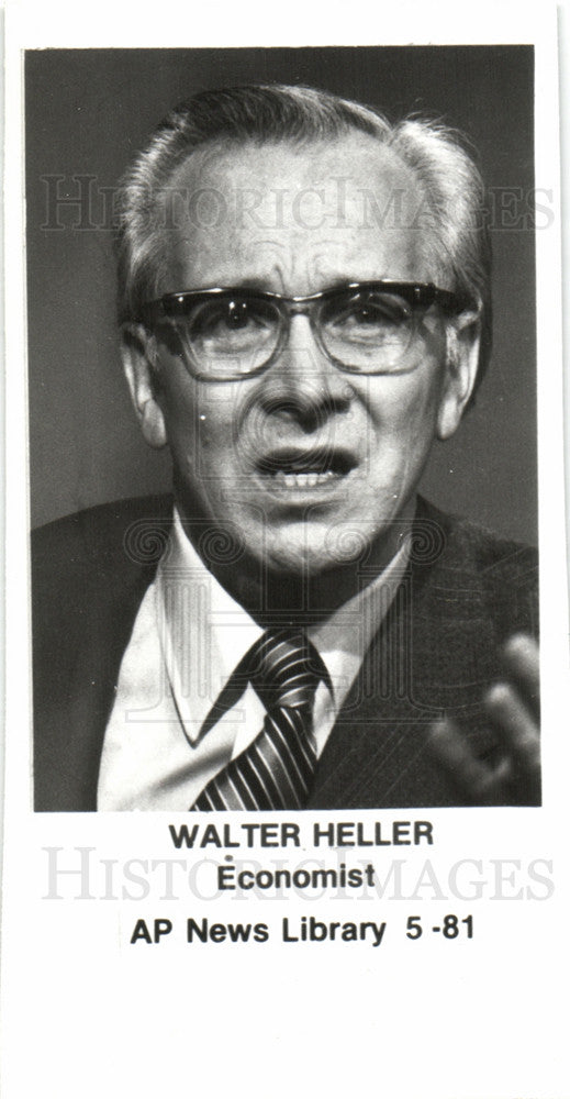 1961 Press Photo Walter Wolfgang Heller economist - Historic Images