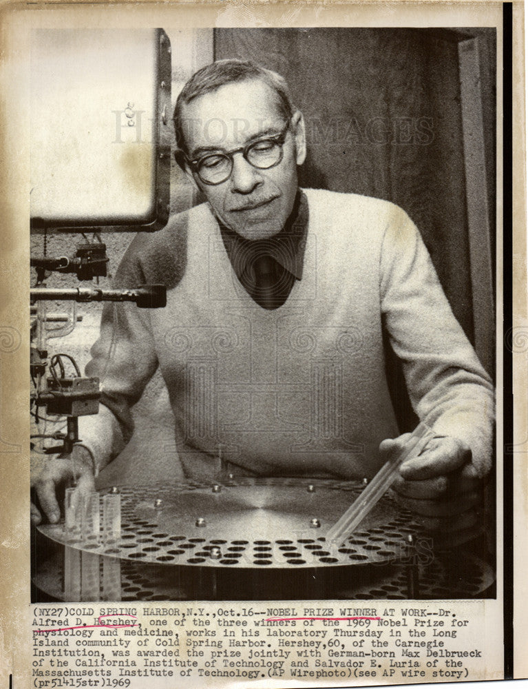 1969 Press Photo bacteriologist Alfred Day Hershey - Historic Images