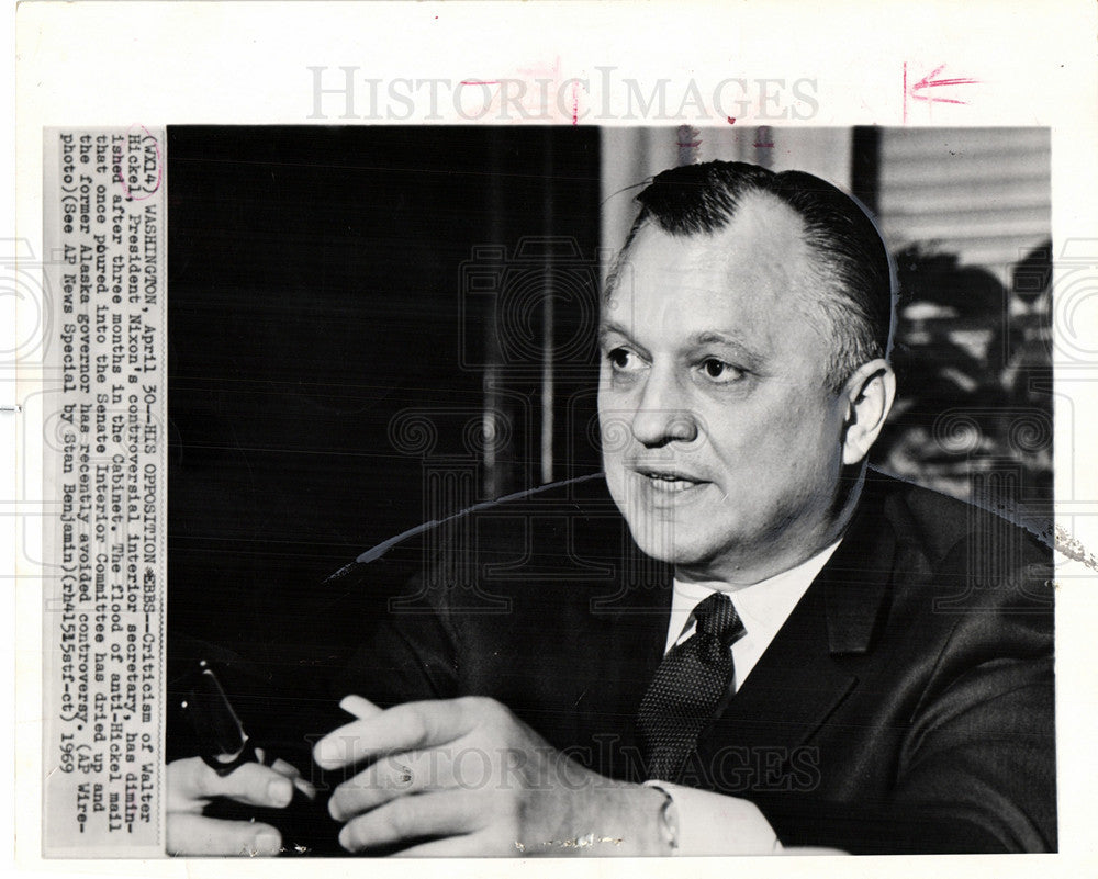 1969 Press Photo Walter Hickel interior secretary - Historic Images