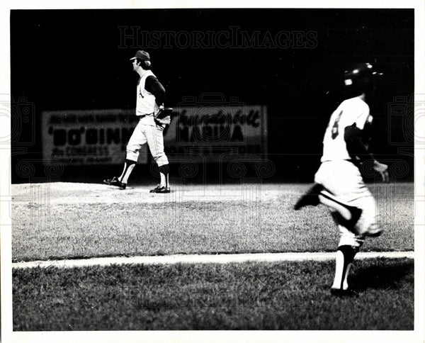 Press Photo Oakland Athletic Pitcher Game Time - Historic Images