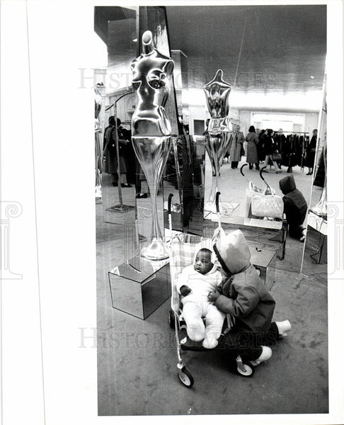 Press Photo Saks Fifth Avenue - Historic Images