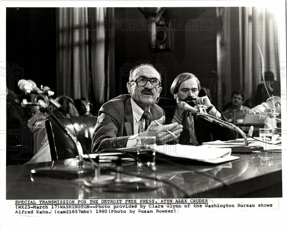 1980 Press Photo Alfred Edward Kahn professor Economy - Historic Images