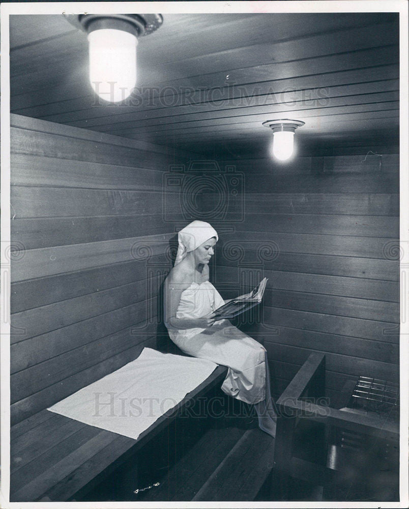 1969 Press Photo Sauna Relaxation Spa Health Beauty - Historic Images