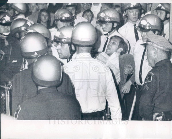 1966 Press Photo police riot gear crowd - Historic Images