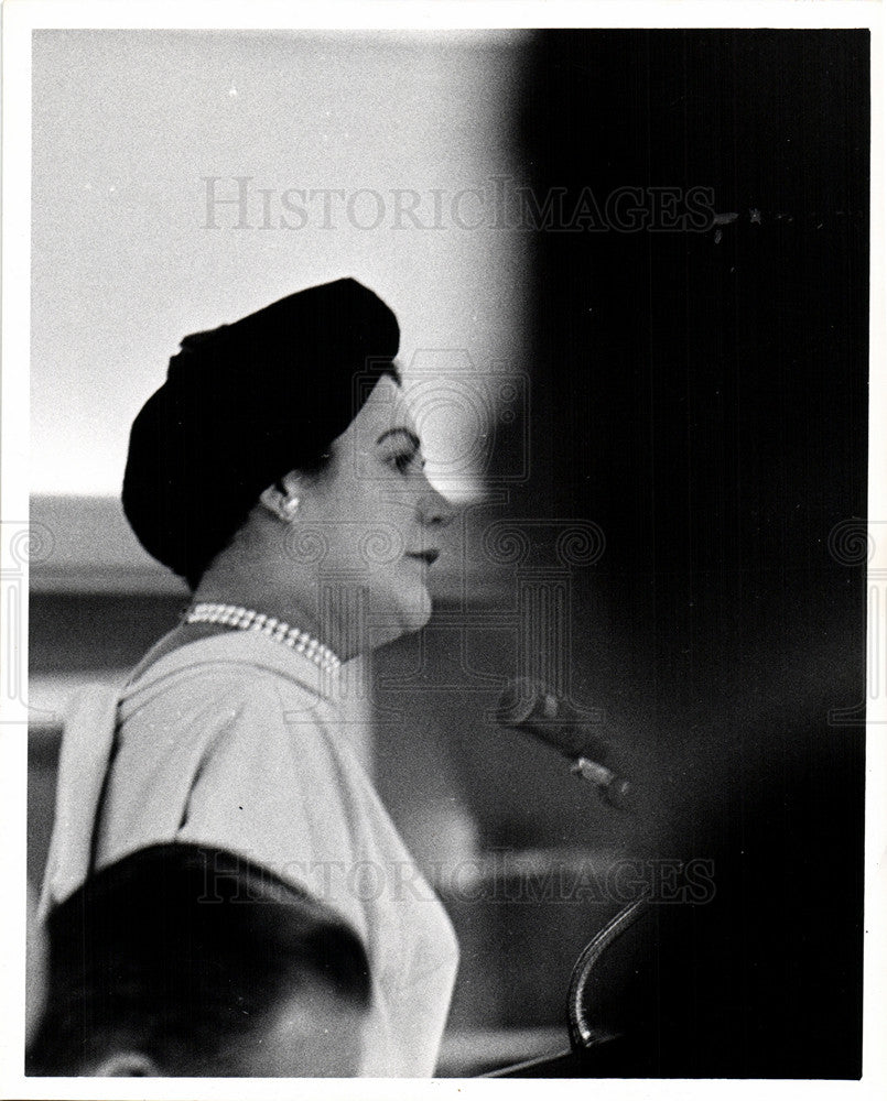 1960 Press Photo Sylvia Porter - Historic Images