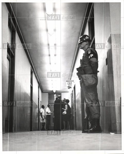 1967 Press Photo Detroit riot violence 1967 destruction - Historic Images