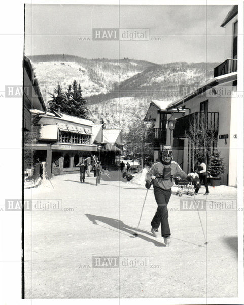 1983 Press Photo Vail Village Colorado Skiing Resort - Historic Images