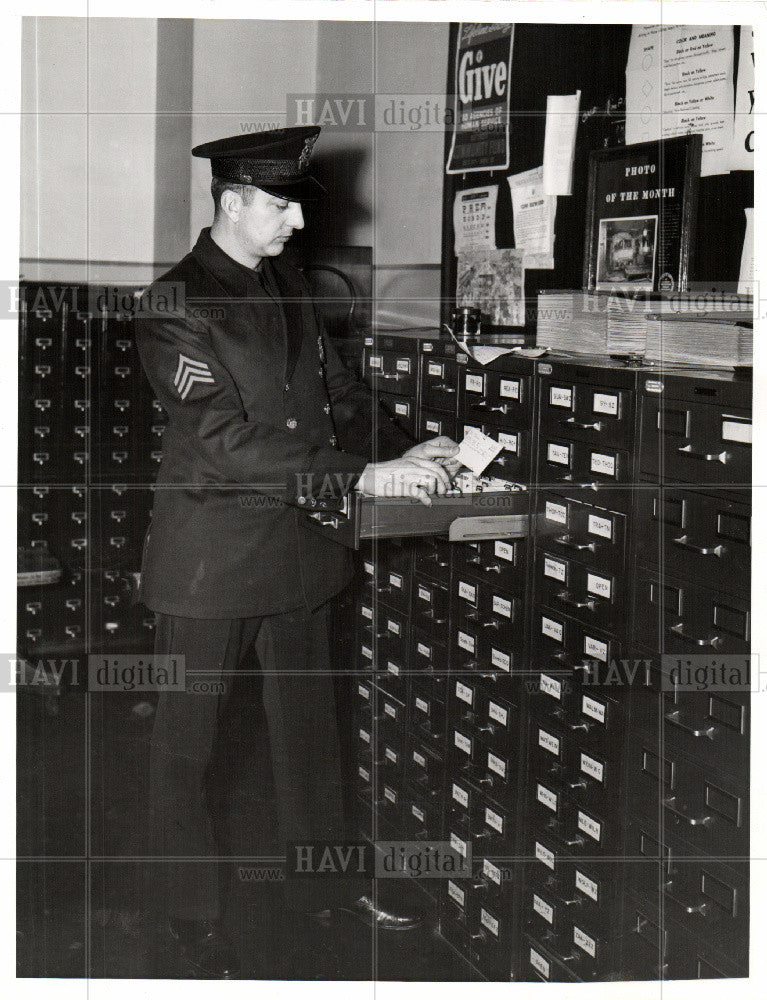 1941 Press Photo Michigan State Police Traffic Offender - Historic Images