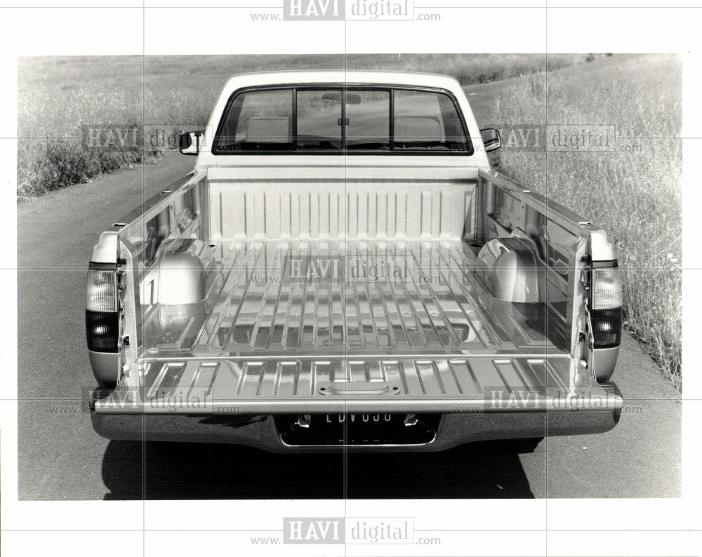 1992 Press Photo series of compact pickup trucks - Historic Images