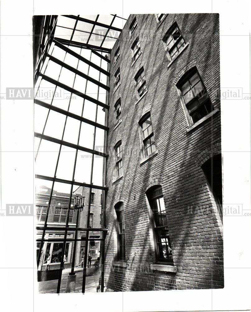1981 Press Photo Trapper's Alley Greektown - Historic Images