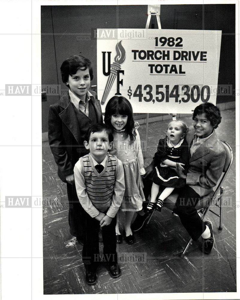 1982 Press Photo 1982 United Foundation Torch Drive - Historic Images