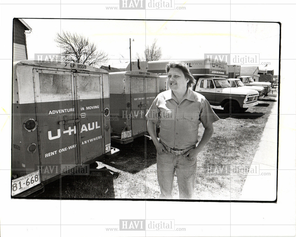 1978 Press Photo Uhaul fires independent dealers 1978 - Historic Images