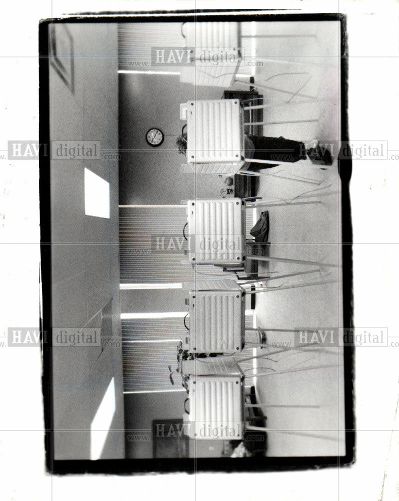 1990 Press Photo voter Four Freedom House Detroit - Historic Images