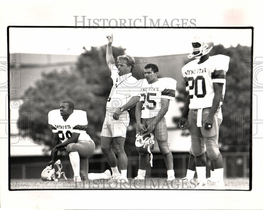 1988 Press Photo Wayne State University football - Historic Images