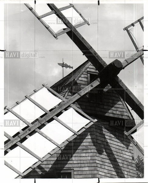 Press Photo Greenfield village's Cape Cod Windmill - Historic Images