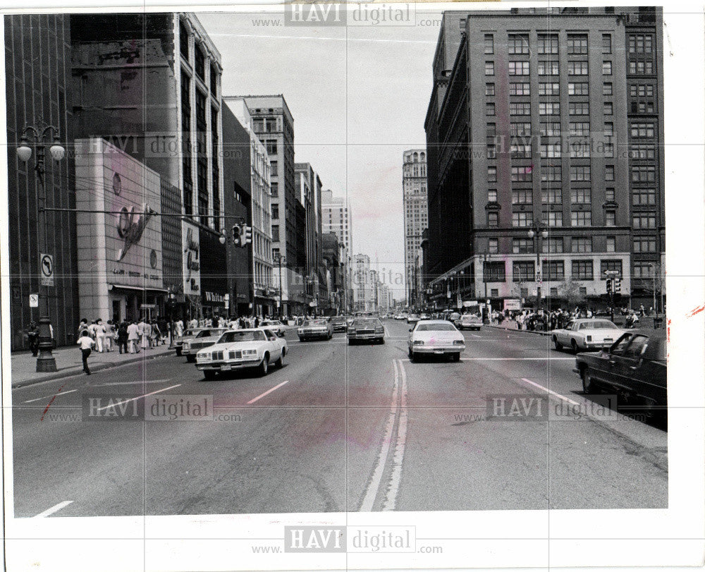 1977 Press Photo Wood Traffic - Historic Images