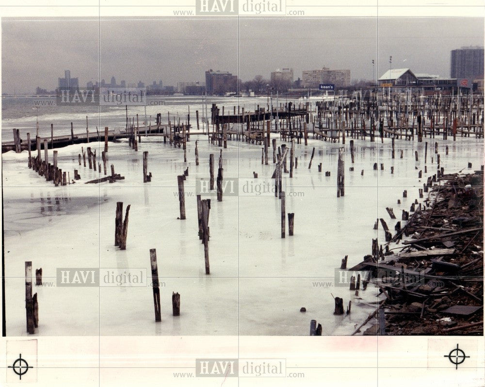 1989 Press Photo Detroit River Winter Kean's Marina Ice - Historic Images