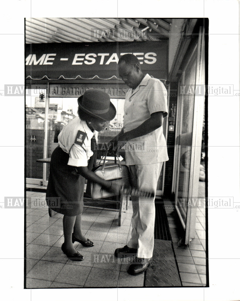 1987 Press Photo Amanzimtoti, Security After Bombing - Historic Images